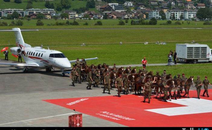 En Suiza presentaron con éxito el «roll out» del Pilatus PC 24