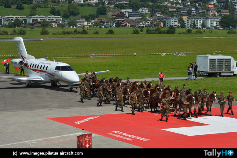 """En Suiza presentaron con éxito el """"roll out"""" del Pilatus PC 24"""