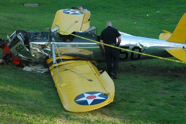 Harrison Ford aterriza de emergencia en su avión