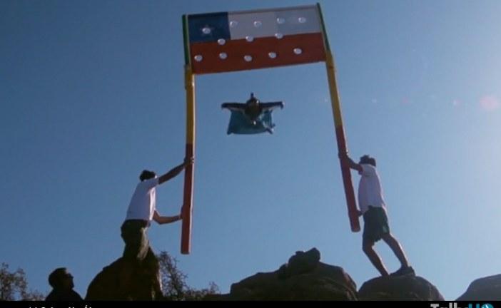 Sebastián «Ardilla» Álvarez realizó vuelo en wingsuit de precisión en el Cerro Manquehue