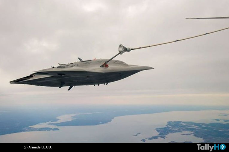 Con éxito abastecen de combustible a drone X-47 en pleno vuelo