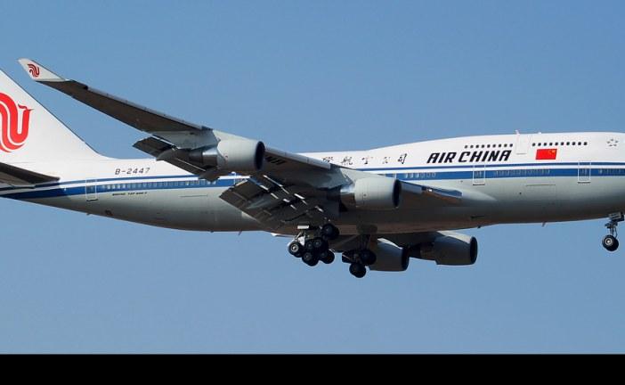 Vuelo especial de B-747 de Air China por gira de Primer Ministro Li Keqiang