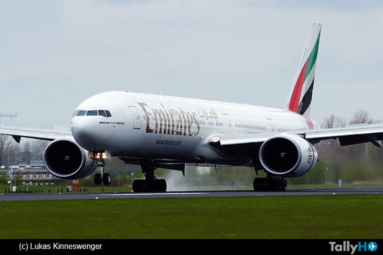 Emirates se compromete a eliminar 81.7 millones de plástico de sus vuelos al año