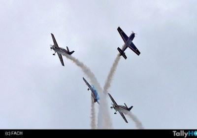 show-aereo-halcones-ecuador02