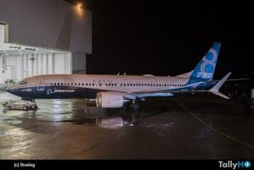 Boeing presenta el primer 737 MAX 8