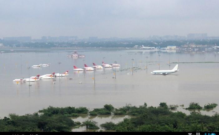 Fuerza Aérea de la India realiza operativo de rescate por inundaciones