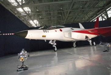 Japón muestra el primer prototipo de caza furtivo, el X-2 Shinshin
