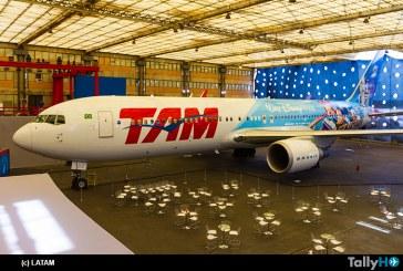 """Grupo LATAM primera aerolínea de América Latina con pintura especial de Walt Disney World """"Avión de los Sueños"""""""