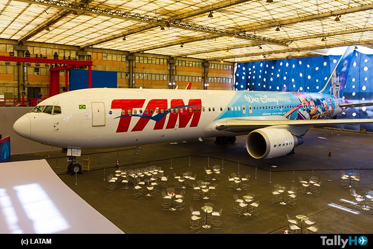 Grupo LATAM primera aerolínea de América Latina con pintura especial de Walt Disney World «Avión de los Sueños»