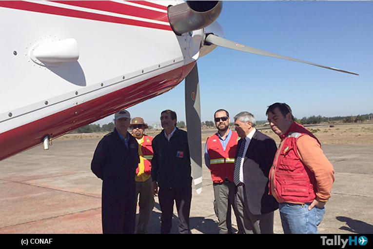 Director ejecutivo de CONAF presentó en la Araucanía avión AT-802F