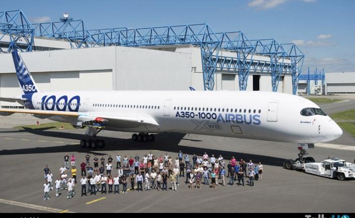Primer A350-1000 fue presentado y volaría a fines de año