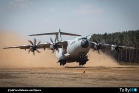 Airbus A400M demuestra capacidad desde pistas de arena