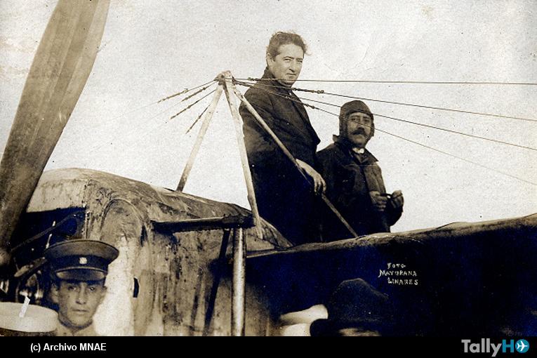 100 años del primer cruce aéreo del Estrecho de Magallanes