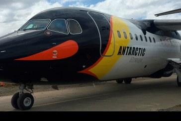 """Avión Bae """"pingüino"""" de Aerovías DAP vuela a Isla Rey Jorge"""