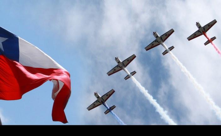 Con izamiento de la Gran Bandera Nacional se dio inicio al Mes del Aire