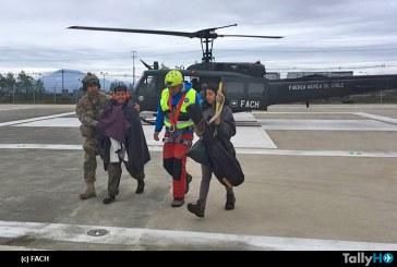 Exitoso operativo FACH de evacuación a joven extraviada en Cochamó