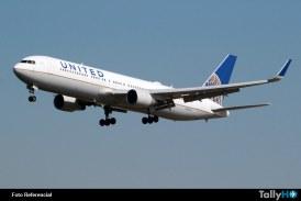 Polémica mundial generó expulsión por la fuerza de pasajero en vuelo de United
