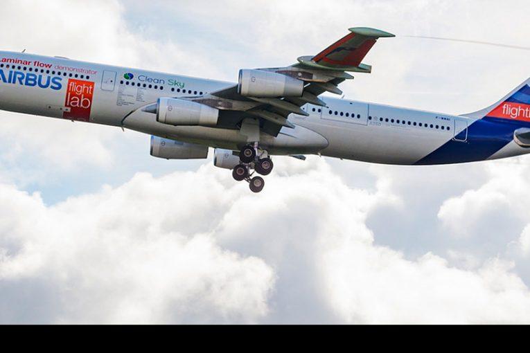 """Primer vuelo del demostrador para pruebas del ala de flujo laminar """"BLADE"""" de Airbus"""