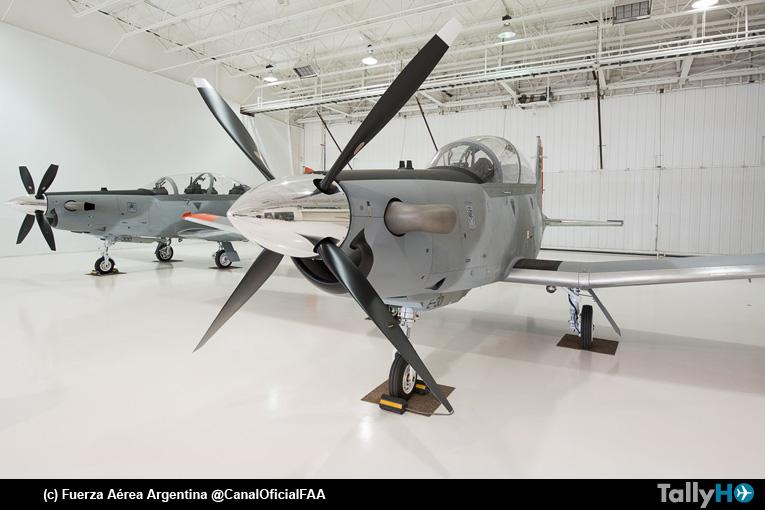 Primeros cuatro Beechcraft T-6C Texan II de la Fuerza Aérea Argentina van en vuelo a la Escuela de Aviación Militar