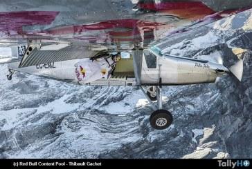 """Espectacular maniobra """"una puerta en los cielos"""" de los Soul Flyers de Red Bull"""