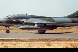 Larga vida al Hawker Hunter T72 ahora en Reino Unido en la empresa HHA