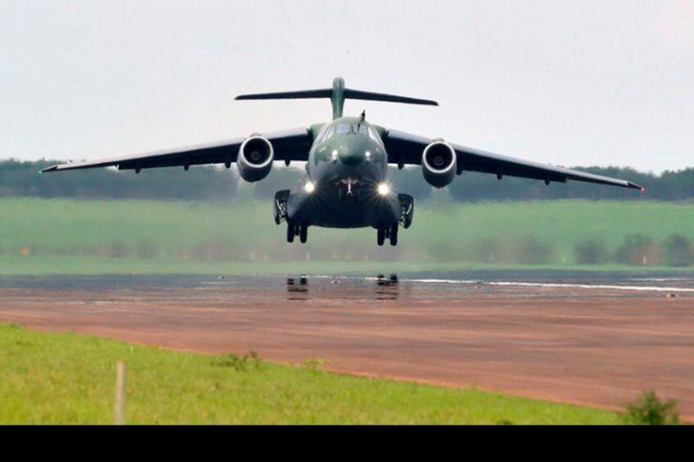Primer KC-390 de producción realizó su vuelo inaugural