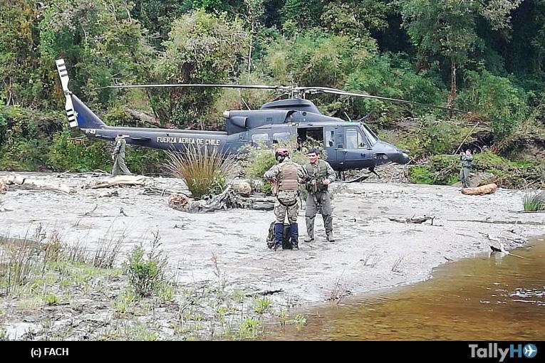 Fuerza Aérea de Chile realiza rescate de dos personas desde el Parque Nacional Chiloé