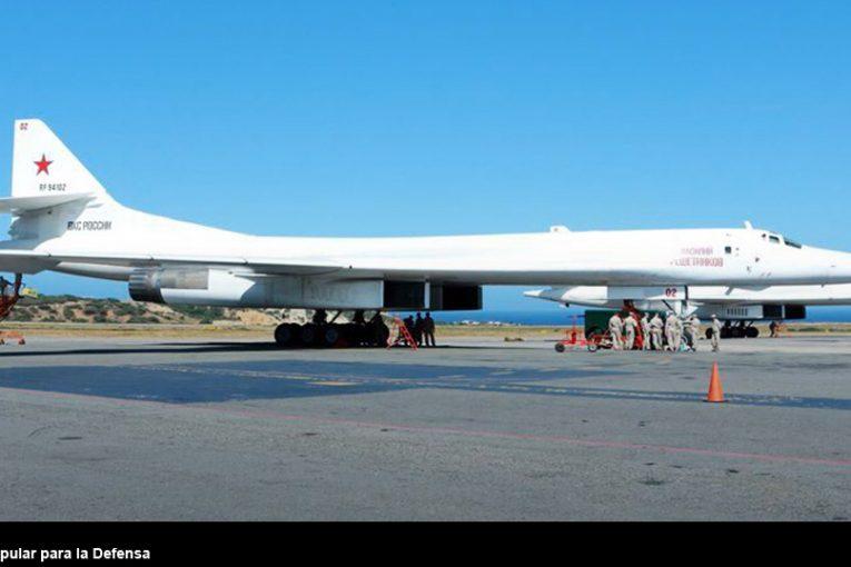 """Dos bombarderos estratégicos Tupolev Tu-160 """"Blackjack"""" arribaron a Venezuela para ejercicios combinados"""