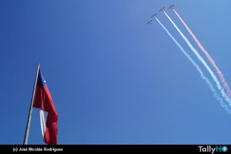 Fuerza Aérea de Chile inició Mes del Aire con Izamiento del Pabellón Nacional