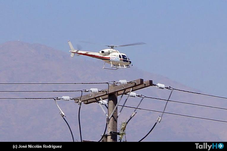 Inspección aérea de helicóptero en la red de media y alta tensión en Peñalolén
