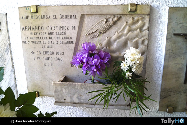 Romería en homenaje a la memoria del aviador militar Armando Cortínez Mujica