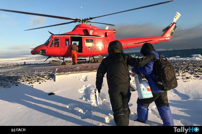 Fuerza Aérea de Chile realiza evacuación aeromédica en la Antártica