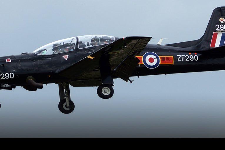 Tras 30 años de servicio la RAF retira los entrenadores Tucano