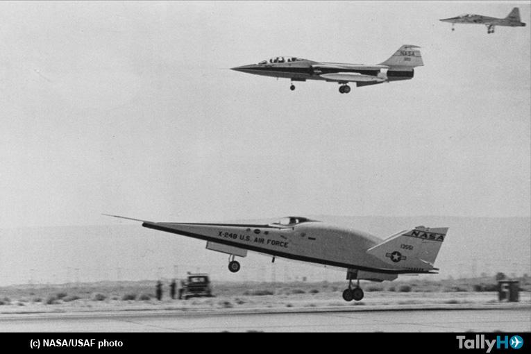 45 años del primer aterrizaje sin propulsión del X-24B