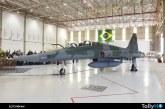 Fuerza Aérea de Brasil recibe su último F-5M modernizado por Embraer