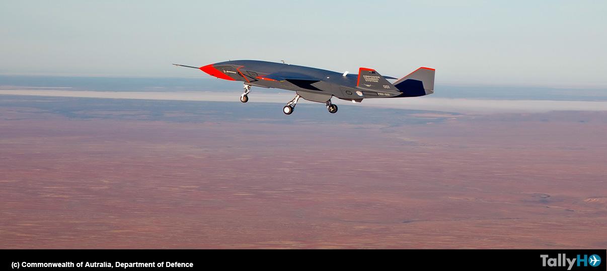 Avión sin tripulación Boeing Loyal Wingman completa el primer vuelo