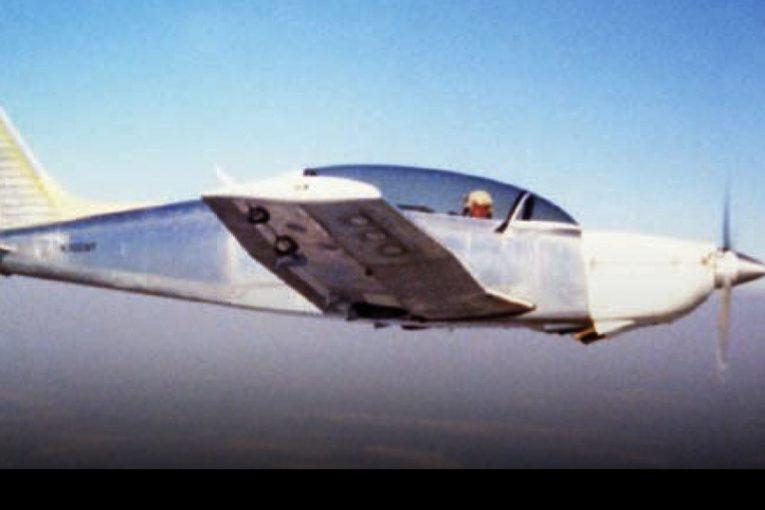 40 años del primer vuelo del venerable T-35 Pillán
