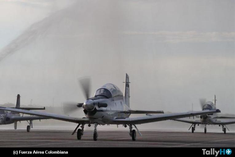 Fuerza Aérea Colombiana recibe oficialmente sus dos primeros Beechcraft T-6C Texan II