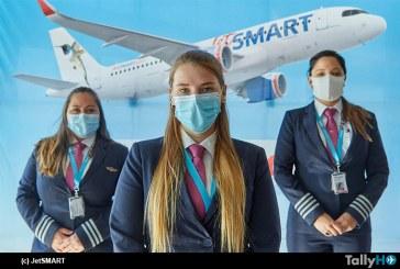 JetSMART se une a campaña de violencia contra la mujer e instala autoadhesivos con fono de emergencia en sus aviones