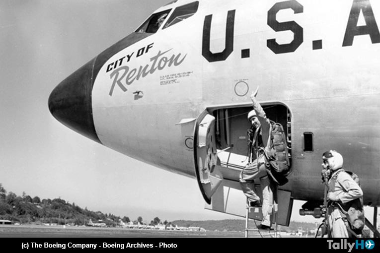 65 años del primer vuelo del venerable Boeing KC-135 «Stratotanker»