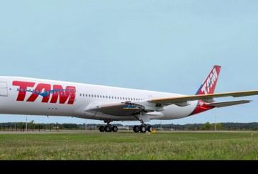 Presentan el primer A350 XWB de TAM Airlines