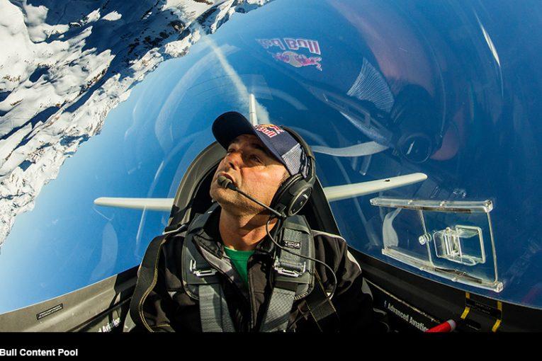 Cristian Bolton sube a la categoría Master Class en el Red Bull Air Race