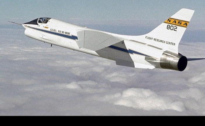 45 años del primer vuelo de un avión con Digital Fly-by-Wire