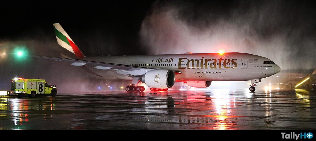 Aerolínea Emirates comenzó a operar vuelos regulares a Chile