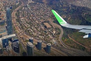 Presentación oficial y vuelo demostrativo del Airbus A320NEO de SKY sobre la ciudad de Santiago