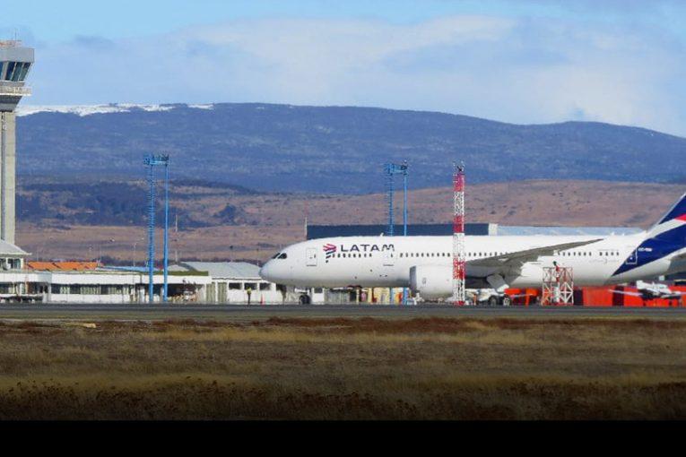 Aeropuerto Presidente Carlos Ibáñez del Campo cumple 65 años